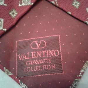 Valentino Accessories - 🍷 Valentino 💯 Silk Tie 🍷